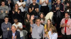 Pedro Sánchez avala un pacto con Podemos que evita en España
