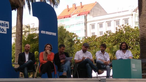 Villares, Colau, Ferreiro, Noriega, Suárez, Sánchez y Chao; en el mitin de La Coruña