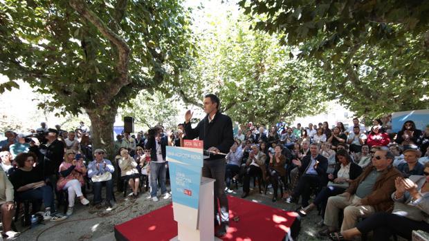 Pedro Sánchez durante su intervención en Vilagarcia de Arousa
