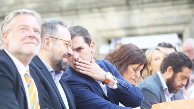 Albert Rivera, este sábado durante un mitin en el que estuvo acompañando a Cristina Losada en Santiago