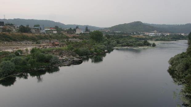 El río Miño, el más importante de Galicia, a su paso por Orense