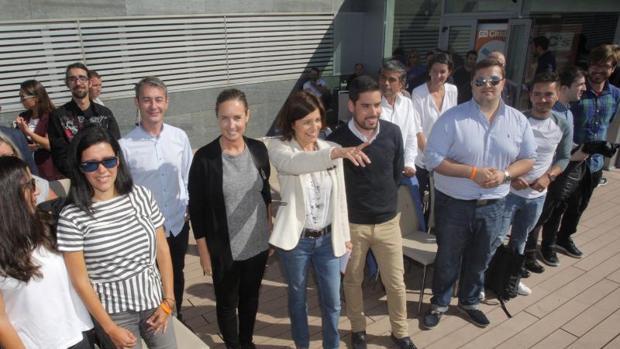 Losada durante un encuentro con jóvenes ayer en Santiago de Compostela