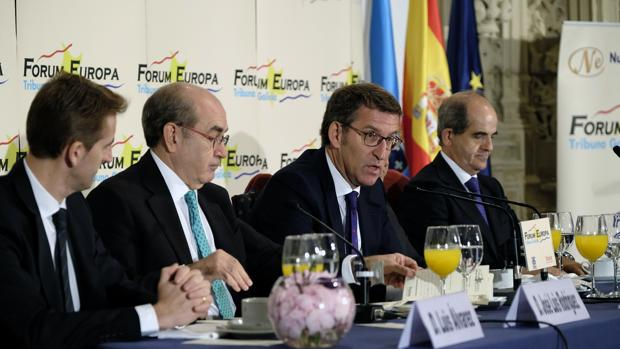 El candidato popular, Núñez Feijóo, durante su participación en el Forum Europa-Tribuna Galicia