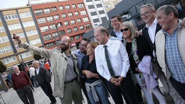 Leiceaga, durante un encuentro con militantes en La Coruña