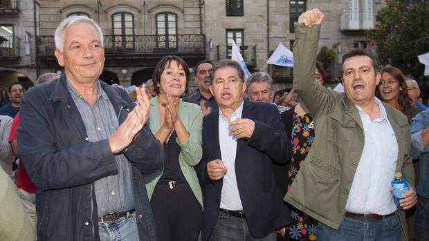 De izquierda a derecha, Guillerme Vázquez, Ana Pontón, Miguel Anxo Fernández Lores y Luis Bará