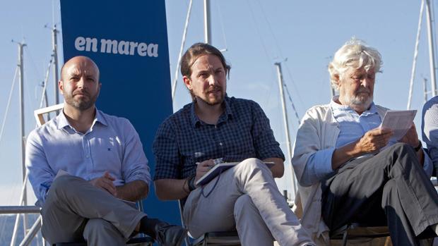 Villares, Iglesias y Beiras, durante un acto electoral ayer en Vigo