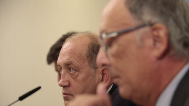 El candidato Leiceaga y el expresidente Laxe durante un encuentro en La Coruña
