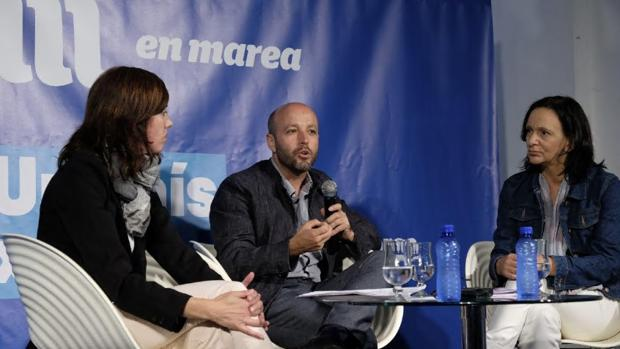 Marta Lois, Luís Villares y Carolina Bescansa en el acto de En Marea