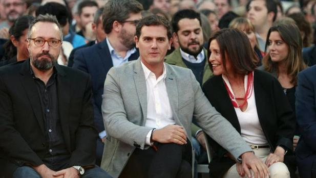 Girauta, Rivera y Losada, ayer en La Coruña