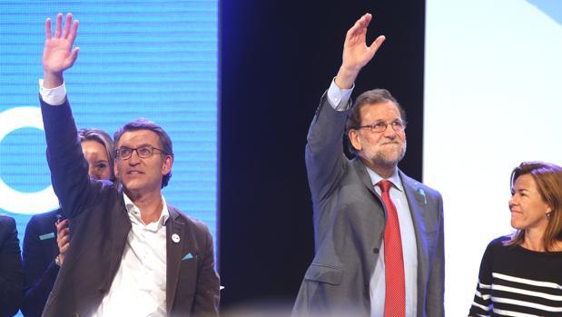 Alberto Núñez Feijóo y Mariano Rajoy, en el cierre de la campaña gallega en Vigo
