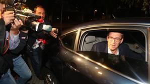 Feijóo reedita la mayoría absoluta ante un PSOE que no deja de caer