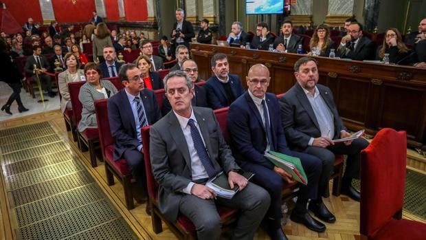 Los doce acusados en el juicio del «procés», en el banquillo del Tribunal Supremo