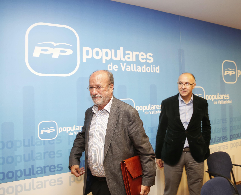 El PP no cierra la puerta a De la Riva pese a su inhabilitación
