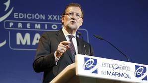 Rajoy muestra ante Susana Díaz su compromiso a colaborar con todas las administraciones