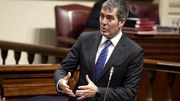 Resultado de imagen de clavijo en el parlamento