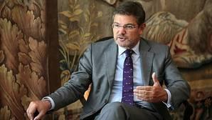 Políticos y juristas quieren entregar la investigación de las causas a los fiscales