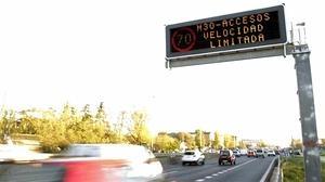 Cifuentes denuncia «improvisación» en las restricciones al tráfico en Madrid