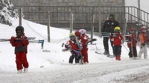 11.000 plazas escolares para aprender a esquiar, en riesgo