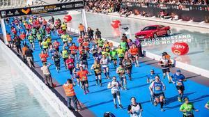 El Maratón Valencia lanza un reto a los que no llegaron a meta en 2015