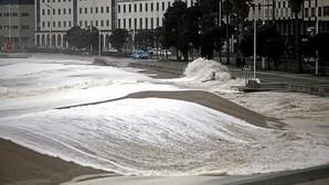 El temporal deja rachas de viento de 134 kilómetros por hora en Cedeira y olas de hasta 12 metros en Estaca de Bares