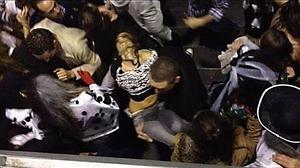 Una joven en el Madrid Arena: «Tiré del pelo a mi amiga para tratar de sacarla»