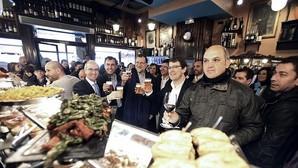 Moncloa tiene poco optimismo sobre la gran coalición, pero Rajoy quiere abrir un diálogo