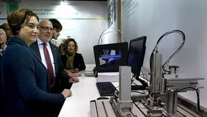 Un concejal del PP en Cataluña considera que Colau debería «limpiar suelos» en una sociedad «seria»