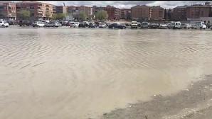 Labrador denuncia que el aparcamiento de Santa Teresa «se ha convertido en una laguna»