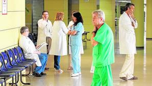 Page alerta de la pérdida de 450 empleos sanitarios sin las 35 horas semanales