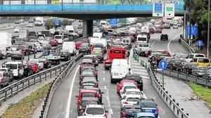 Carmena deja bajo mínimos la gestión del tráfico en Madrid