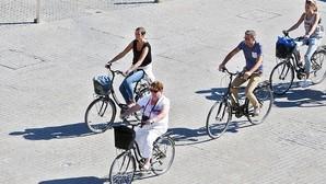 Las ocho normas para circular en bici por Valencia editadas por el Ayuntamiento