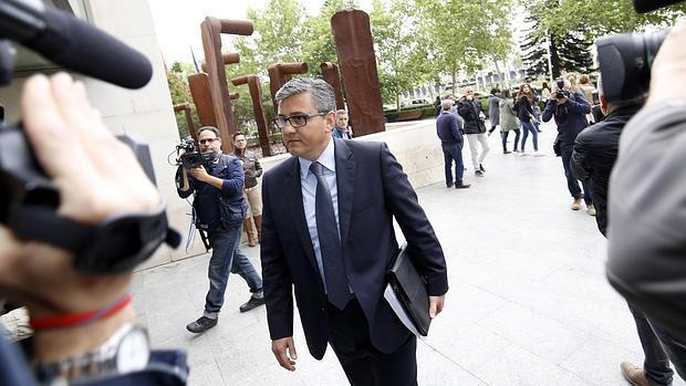 Imagen de Cristóbal Grau a su llegada a la Ciudad de la Justicia