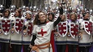 La primera escuadra femenina de la historia en las fiestas de Moros y Cristianos de Alcoy