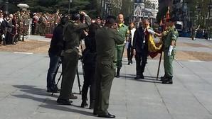 El subdelegado del Gobierno en Madrid jura bandera en la plaza de Oriente
