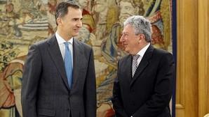 El Rey pide a los partidos que hagan campañas austeras y no «cansen» a los ciudadanos