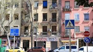 Los dos edificios-burdeles que traen de cabeza a los vecinos del Paseo de las Delicias