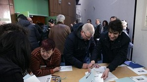 Suárez legitima su pacto con el PSOE en Ferrol a través de las bases