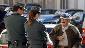 Lo último en hurtos a ancianos: la Policía alerta del método del «abrazo cariñoso»