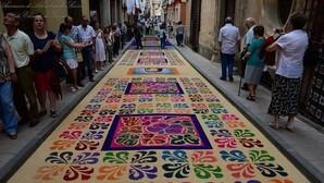 30 alfombras de serrín para celebrar el Corpus en Elche de la Sierra