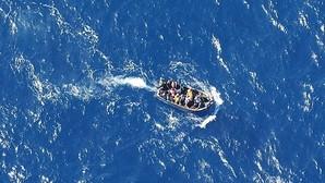 Salvamento Marítimo rescata una patera con 56 inmigrantes al sur de Gran Canaria