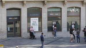 Liberbank y el comité de empresa firman un ajuste de plantilla de 1.090 trabajadores