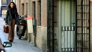 Un hombre es detenido por abandonar a su hijo para ir de bares en Huelva