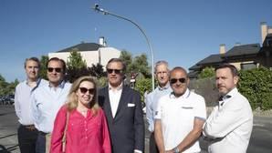 Revolución en El Encinar de los Reyes: Un centenar de familias piden a Carmena «independizarse» de Madrid