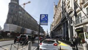 585 euros y 75 horas al volante: el coste de aparcar en el centro de Madrid