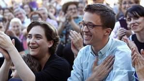 Colau a Rajoy: «Váyanse por decencia ... o les echaremos por las urnas»