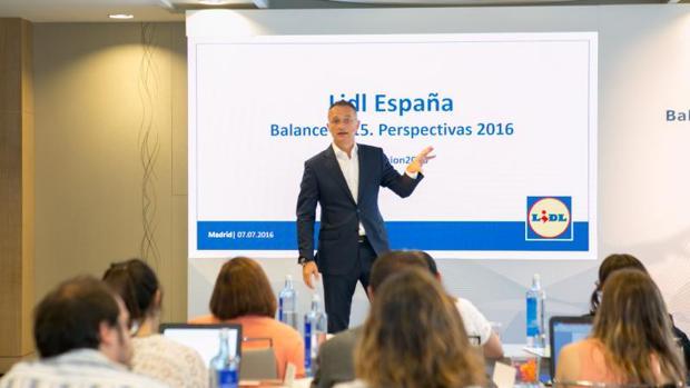 Ferrán Figueras, director general financiero de Lidl, durante una presentación