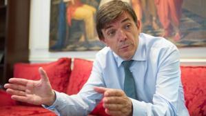 Carlos Andradas (UCM): «Quiero reestructurar los departamentos para dinamizarlos más»