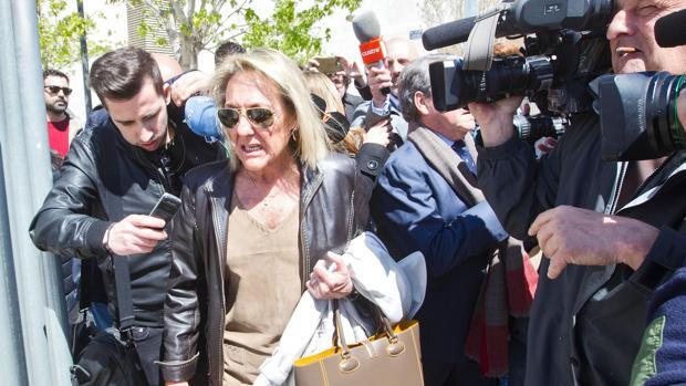 Mari Carmen García Fuster, a la salida de su declaración en los juzgados