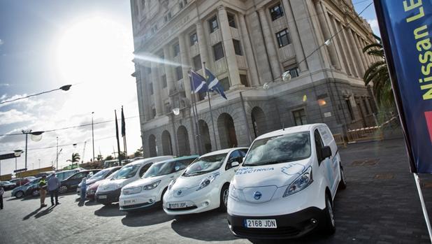 Muestra de vehículos eléctricos de Nissan en Tenerife