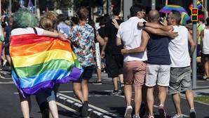 Madrid aprueba la Ley contra la «LGTBIfobia», que obligará a educar en la diversidad sexual a los colegios